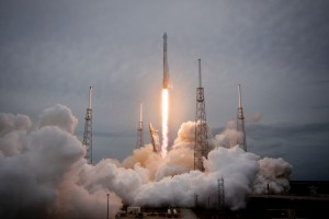 SpaceX-CRS-3_Falcon_9_liftoff